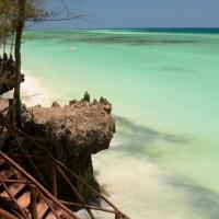 Unguja Lodge Zanzibar stairs to beach